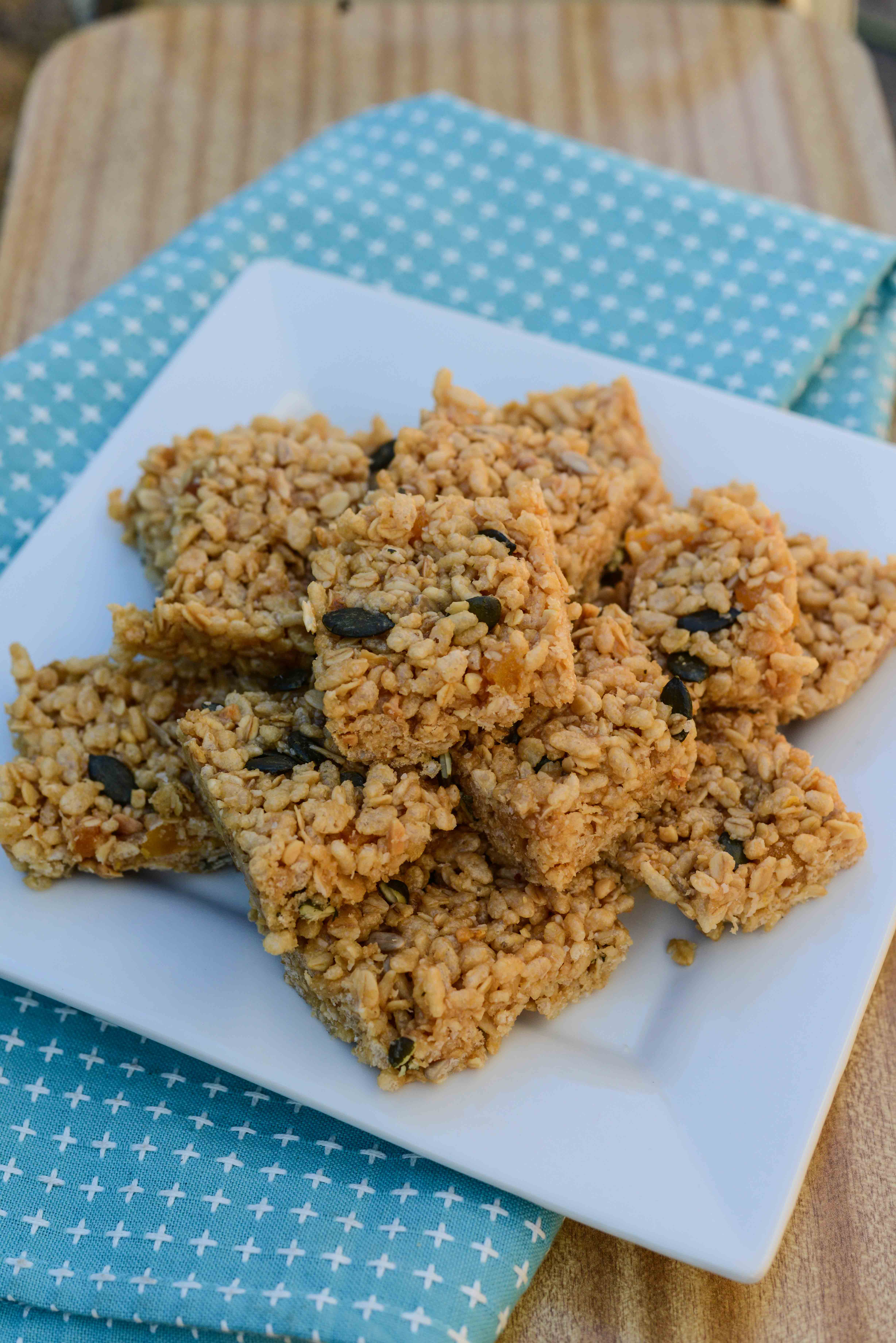 69_Healthy_Honey_Muesli_Bars_001